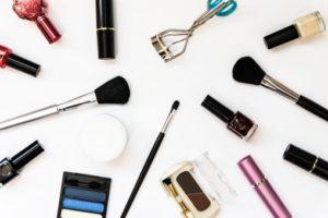 写真館では化粧を行える場所がある?